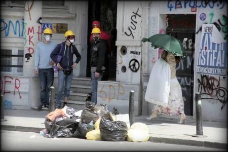 taksim -23 haz -Fellini'ye sevgilerle